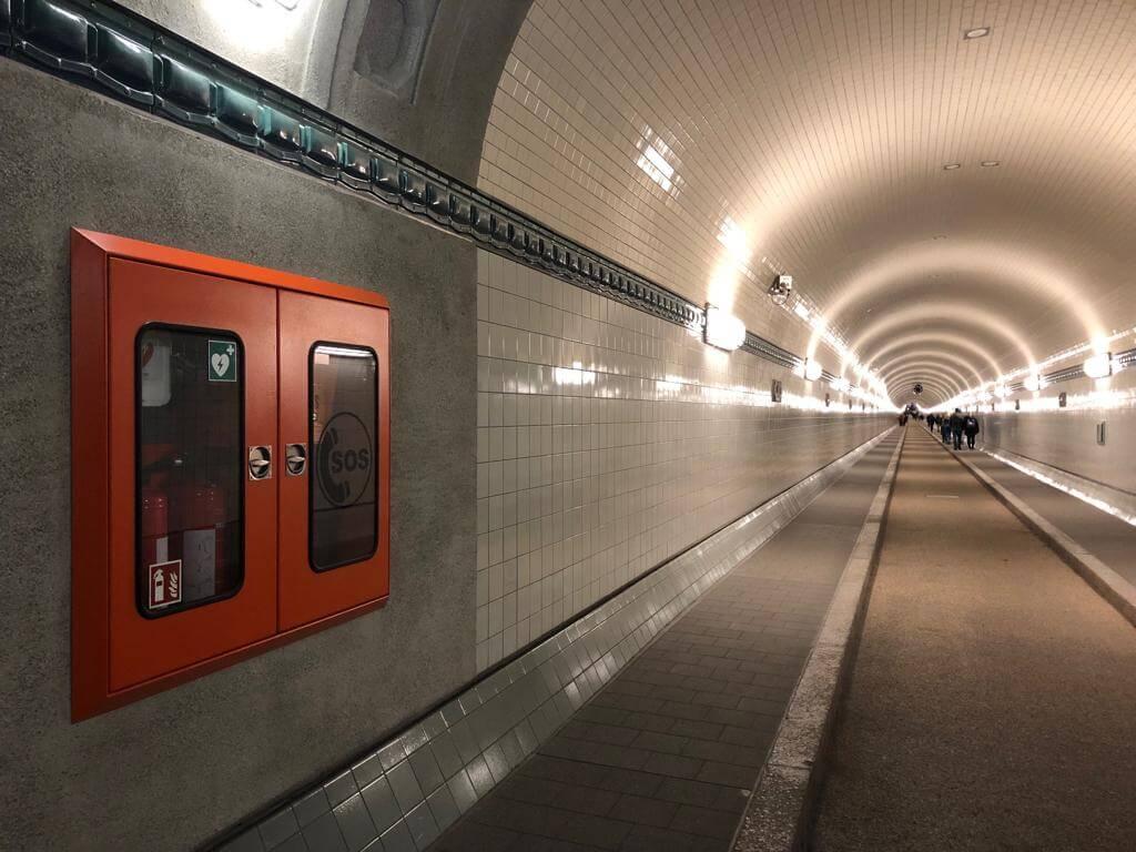 Defibrillatoren im St. Pauli-Elbtunnel